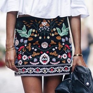 Zara Size XS Embroidered Mini SKirt